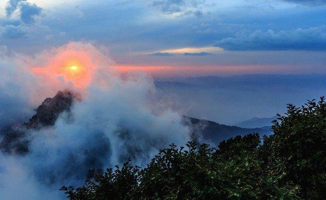 保定白石山吸引人的三大气质