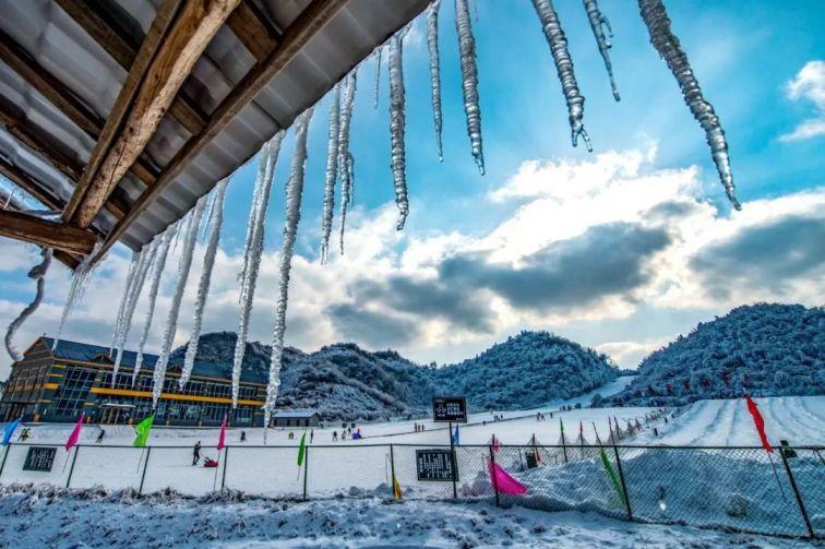 《重庆周边滑雪胜地》:重庆最好耍的滑雪场都在这里