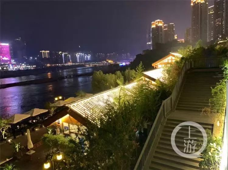 重庆三洞桥风情街好玩?