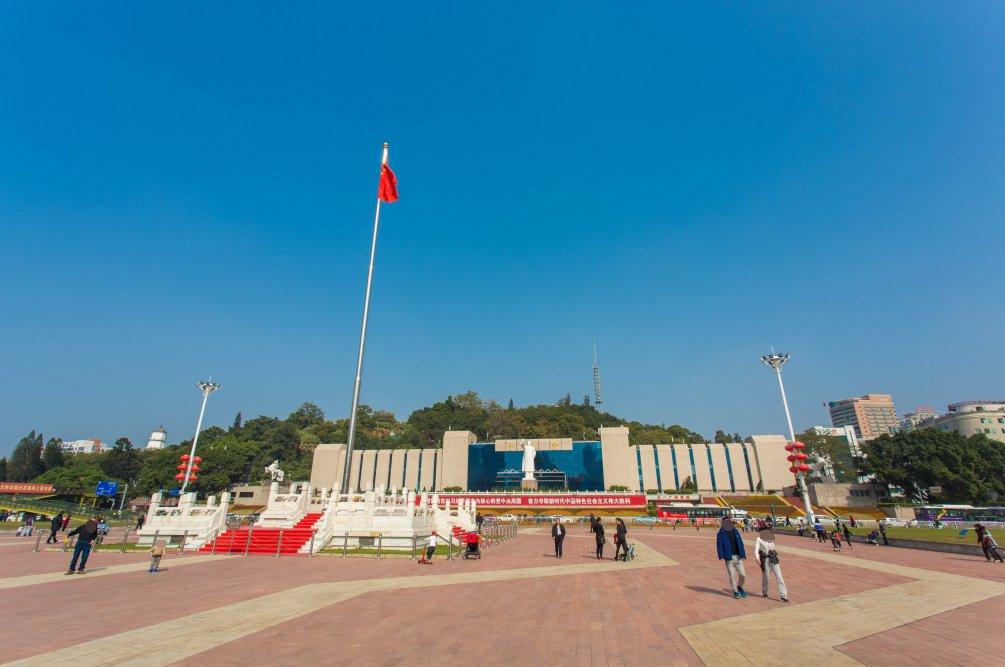 福州五一广场升旗时间