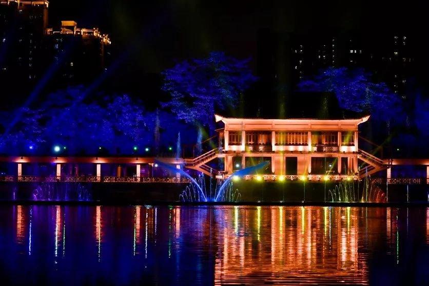 2020年7月17日起广州荔湾水幕灯光秀正式重启