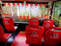 广州观光巴士推出多款2017春节主题车厢