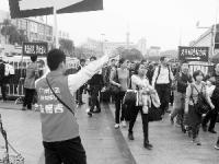 广州人多吗?2017春节后日均超80万人坐