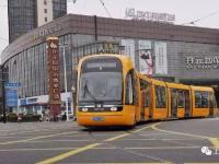 上海松江有轨电车T2线仓华路站试跑成功