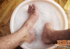 夏天脚臭出汗怎么办?用什么办法除脚臭(图)