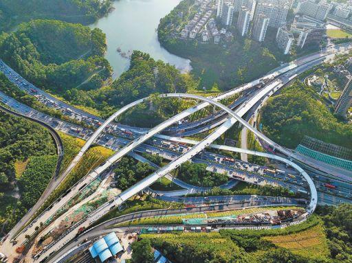 坂银通道鸡公山隧道右线贯通 项目主线预计年底完工