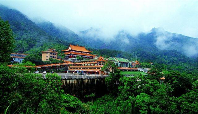 """青山绿湖""""洗肺""""休闲好去处:广东罗浮山风景名胜区"""